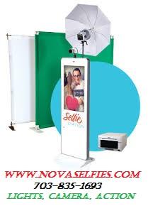 selfie station logo