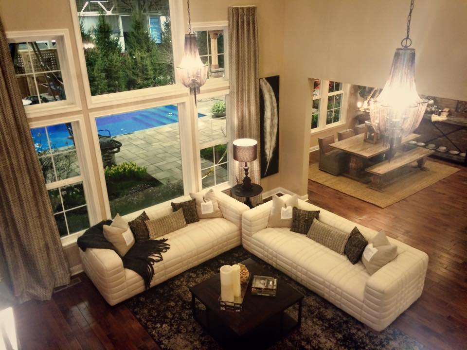 Centerpiece Home