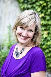 Denise MacMurtrie headshot
