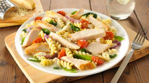 Alfredo Chicken and Vegetable Fusilli