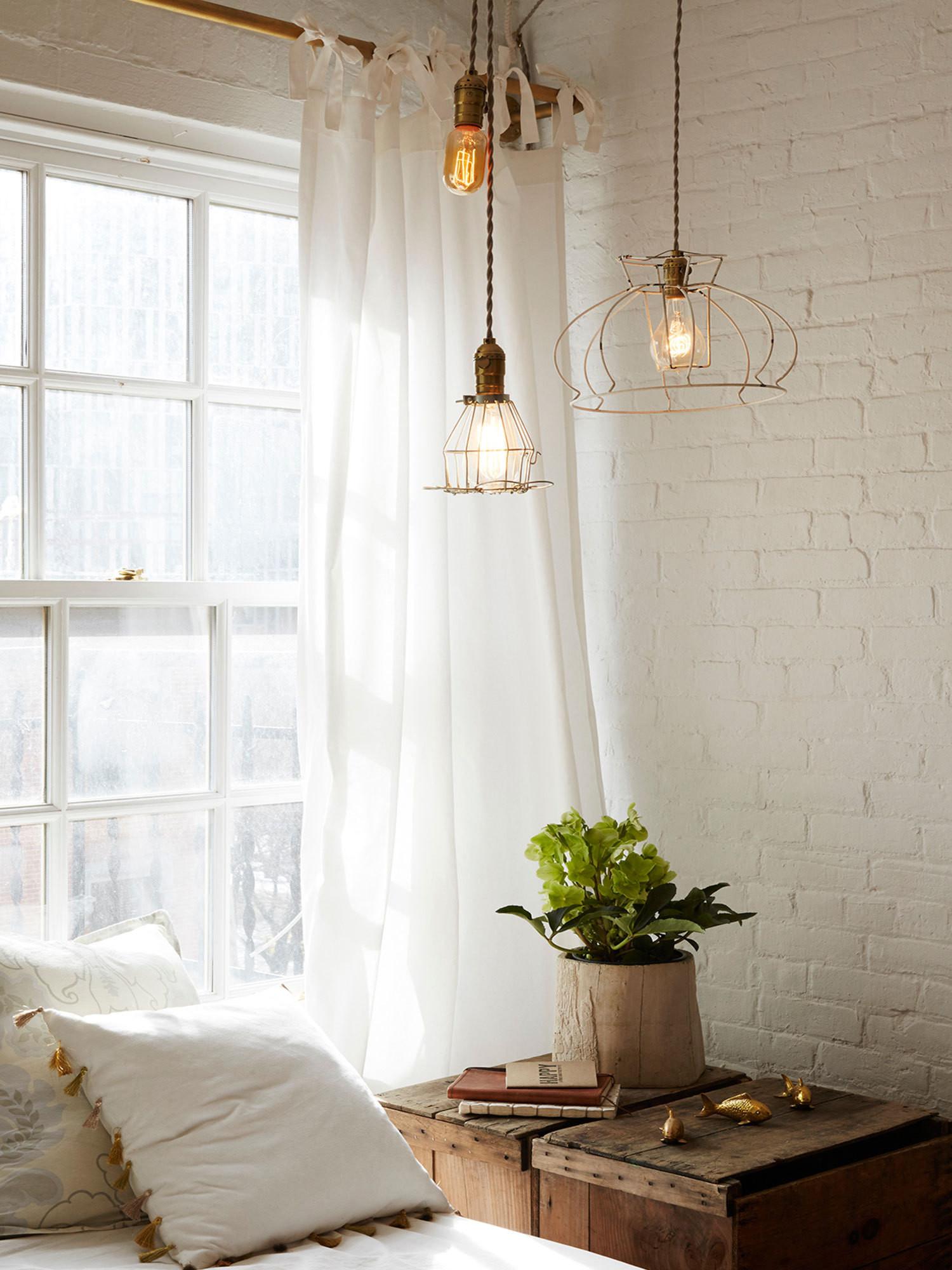 Pretty Bedroom Lighting