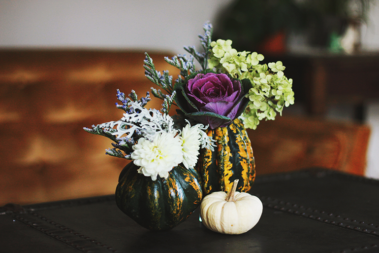 Vase made of gourds