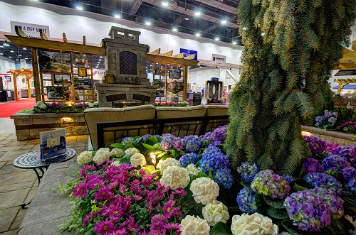Roses In Garden: Cincinnati Home + Garden Show
