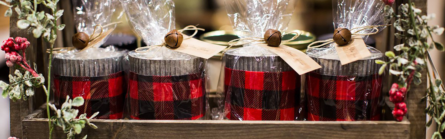 Holiday Gifts Tin cans